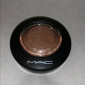 MAC Cosmetics Highlight